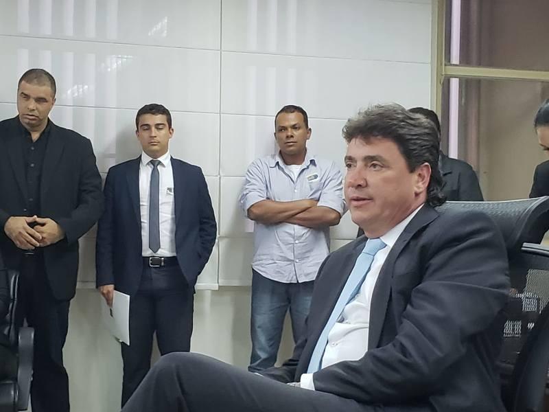 Em conversa com representantes da Acirlag, Wilder Morais fala sobre de Aparecida de Goiânia | Foto: Folha Z