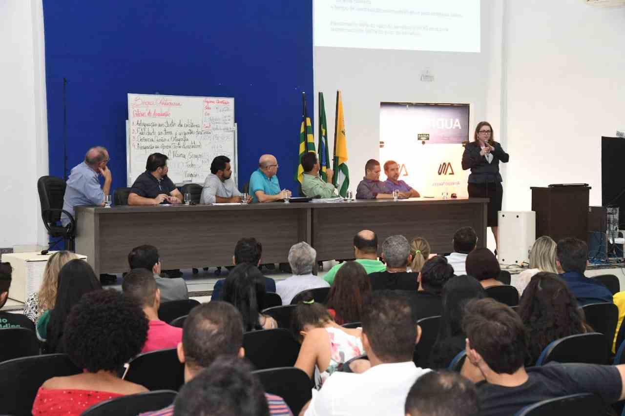 Deputado Professor Alcides debate