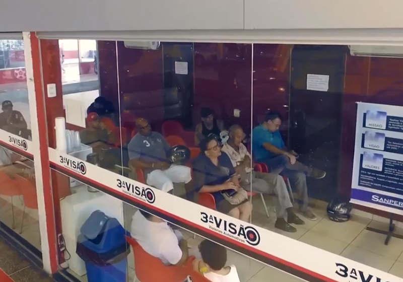 Proprietário pode aguardar em sala de espera enquanto vistoria é realizada | Foto: Divulgação / Sanperes