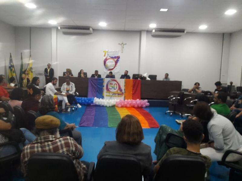 Entrega do prêmio Amigos do Movimento LGBTI de Goiás na Câmara de Aparecida no dia 14/06 | Foto: Reprodução / Facebook