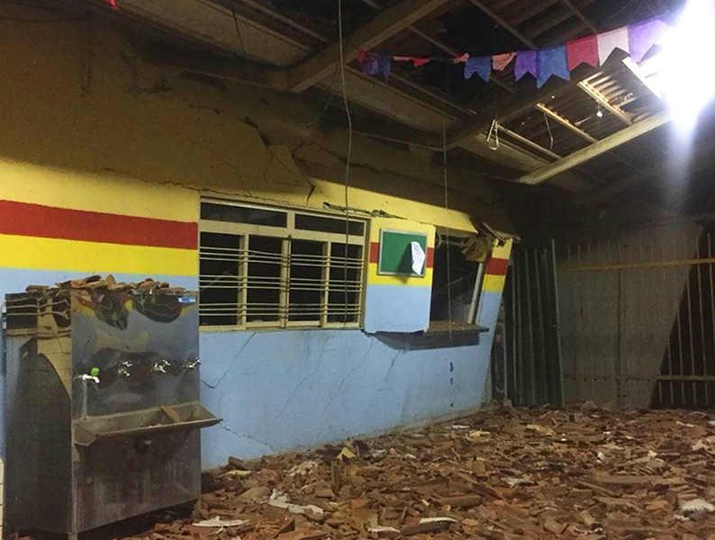 Escola Municipal Olentino Xavier da Costa, no setor Serra Dourada, em Aparecida, é destruída por explosão | Foto: Divulgação / CBMGO