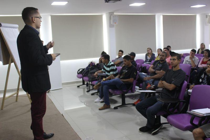 Guarda decidiu até compartilhar seu conhecimento com outros concurseiros, fundando um site para aulas online   Foto: Arquivo Pessoal