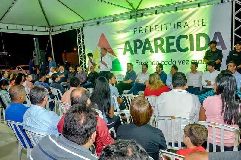 Inauguração da praça Geni Rodrigues Alves, no Buriti Sereno, na noite dessa segunda, 26 | Foto: Divulgação / Prefeitura de Aparecida