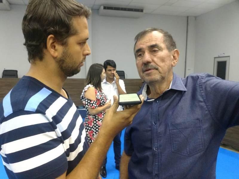 Presidente municipal do MDB,Léo Mendanha fala ao jornalista Guilherme Coelho, do Folha Z | Foto: Junior Kamenach