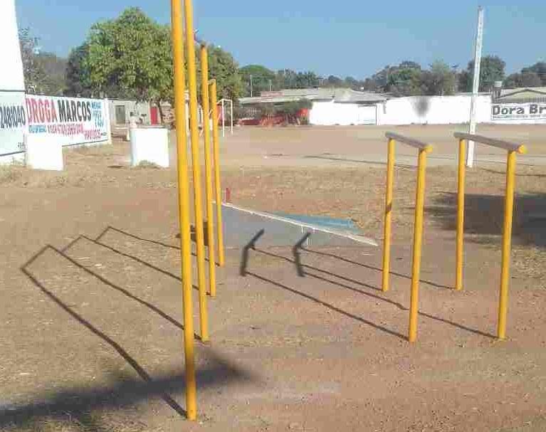 Campo do Sabiá abandonado Colina Azul
