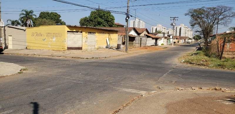 Rua 3 com a 6, no Parque Santa Cecília | Foto: Folha Z