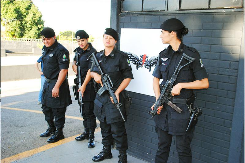 Daniella, Malba e Márcia são policiais militares formadas para policiamento especializado | Foto: Folha Z