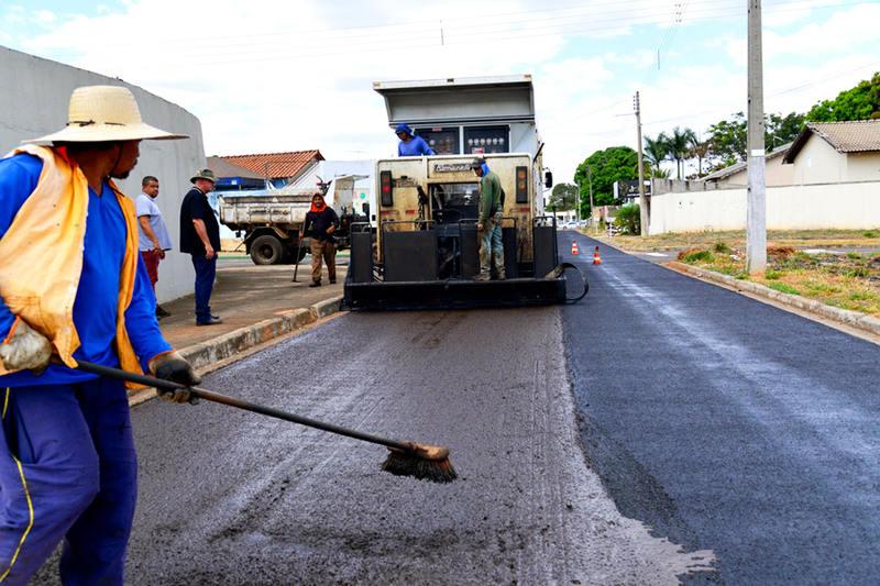 Licitação prevê asfalto em mais bairros de Aparecida   Foto: Claudivino Antunes