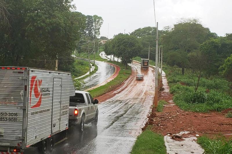Palco de acidentes, Av. Benedito de Toleno sofre com rachaduras e lama