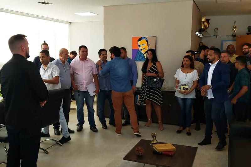 Prefeito recebeu jornalistas em seu gabinete na manhã desta quarta, 13 | Foto: Folha Z