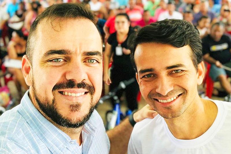 Prefeito Gustavo Mendanha e seu secretário de Desenvolvimento Urbano, Max Menezes | Foto: Arquivo Pessoal