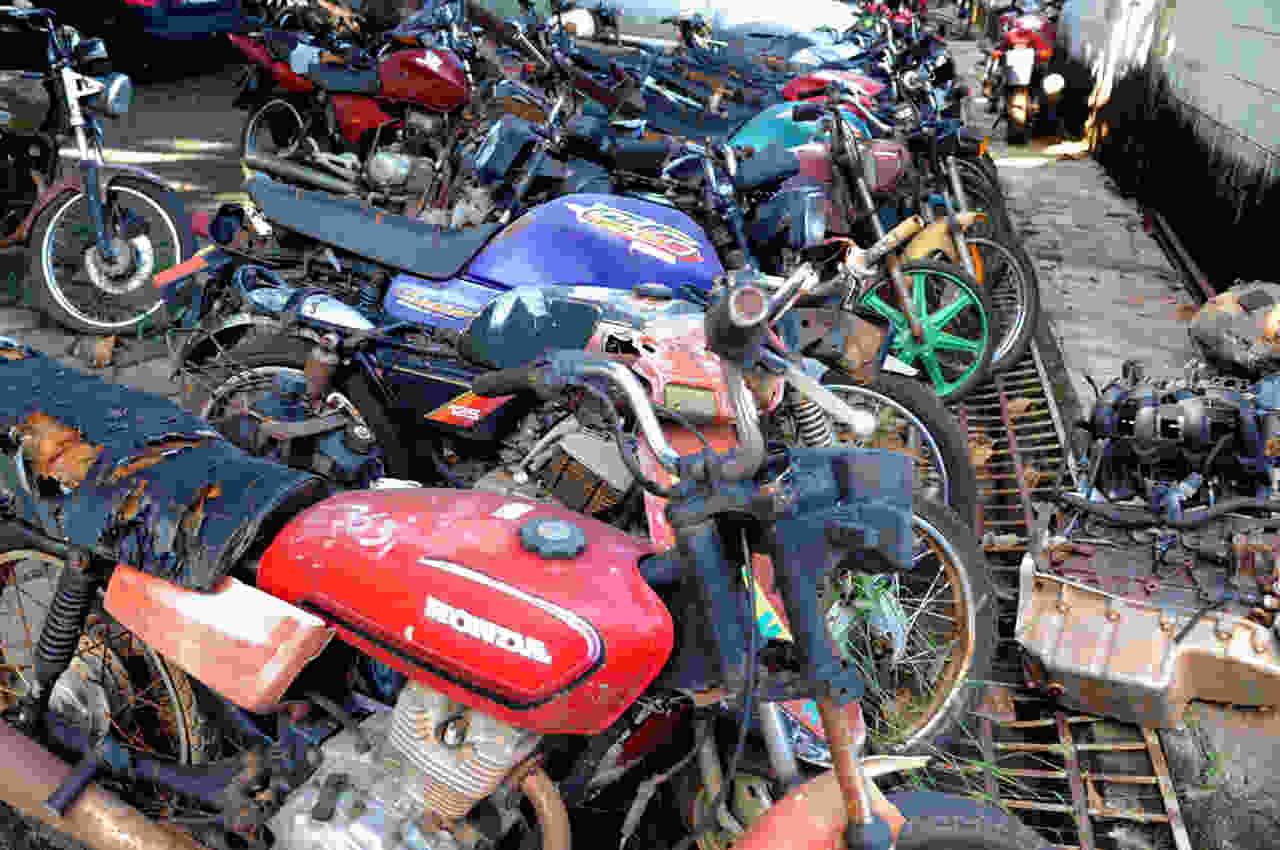 TJGO leilão veículos recuperáveis sucatas