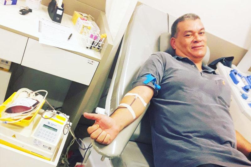 Rodrigo Czepak na última de suas rotineiras doações de sangue | Foto: Arquivo Pessoal
