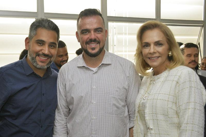 Johnathan Medeiros, Gustavo Mendanha e Márcia Tinoco | Foto: Claudivino Antunes