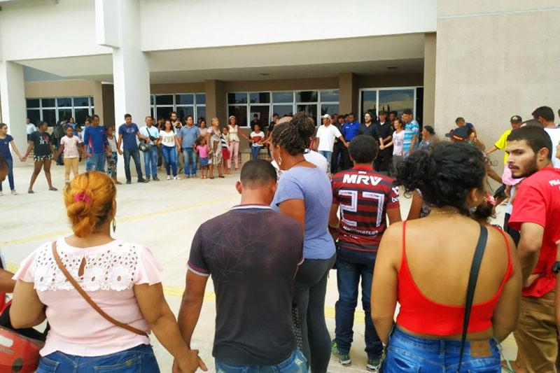Moradores de ocupação na Serra da Areia protestam na Prefeitura de Aparecida