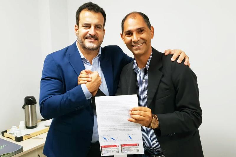Paulo Daher Filho (DEM) chancela Wegney Costa como presidente do Avante em Aparecida | Foto: Folha Z