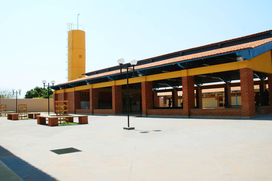 Colégio Militar Nader Alves dos Santos foi inaugurado no Pontal Sul em 2014 | Foto: Divulgação