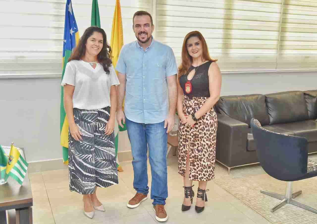 reunião Gustavo Mendanha Cybelle Tristão