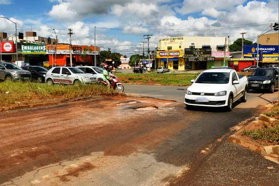 Inaugurada e reparada 3 vezes, Av. São Paulo é só buracos outra vez | Foto: Folha Z