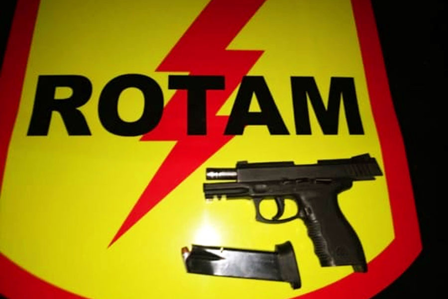 Tiroteio e confronto com a Rotam ocorreu no domingo (8), no Jardim Itaipu, em Goiânia | Foto: Leitor / Folha Z