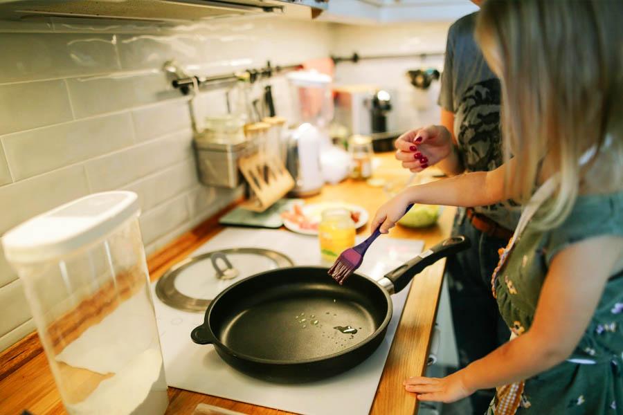 Deixe seu filho ou filha participar da preparação do lanche | Foto: Reprodução