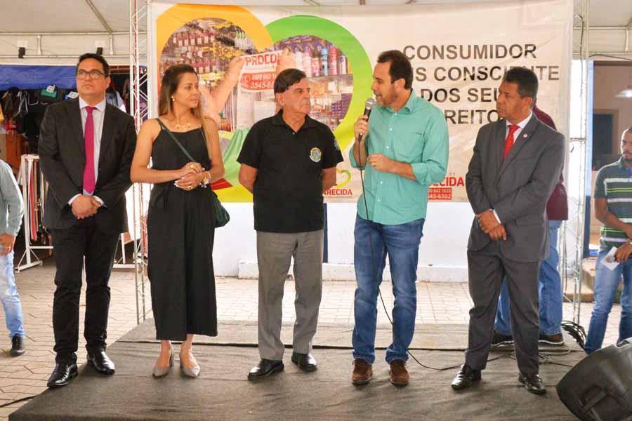 Prefeito em exercício Veter Martins participou do Procon Itinerante | Foto: Wigor Vieira