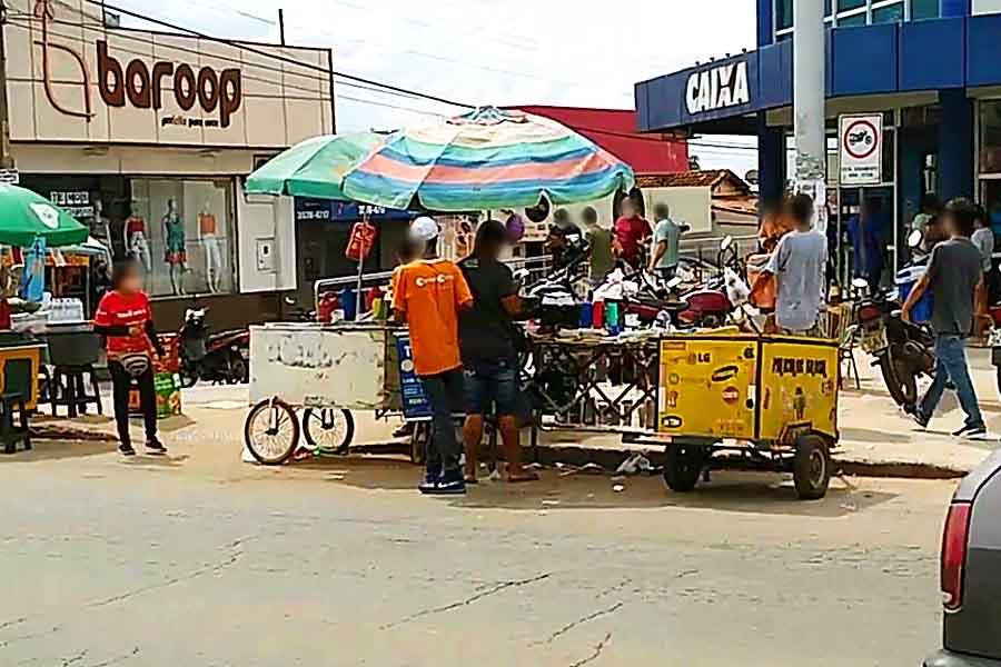 Movimento da agência da Caixa Econômica Federal no Garavelo subiu devido à procura do auxílio emergencial de R$ 600 | Foto: Reprodução