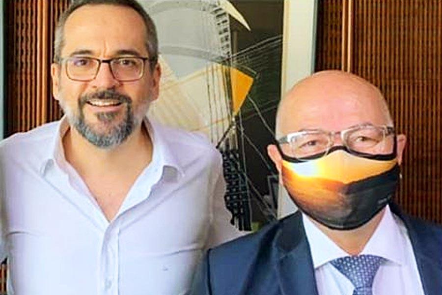 Professor Alcides e Abraham Weintraub | Foto: Divulgação