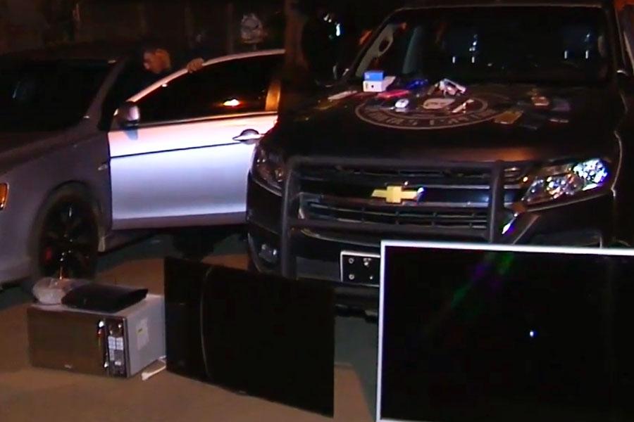 Carro e objetos foram recuperados pela PM | Foto: Reprodução/TV Anhanguera