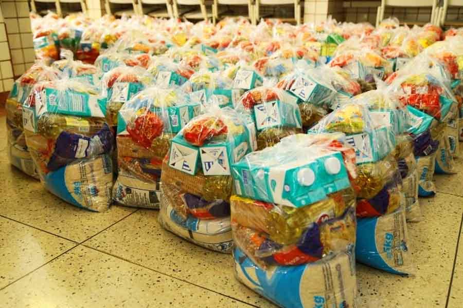 Educação de Aparecida distribui cestas básicas às famílias dos alunos matriculados na rede | Foto: Enio Medeiros