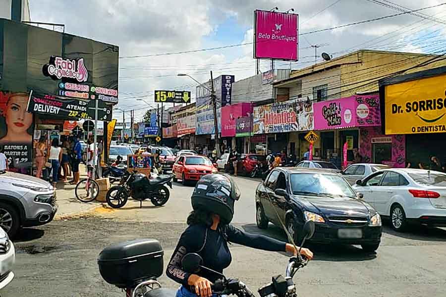 Comércio do Garavelo registrou movimentação intensa no sábado (16) | Foto: Folha Z