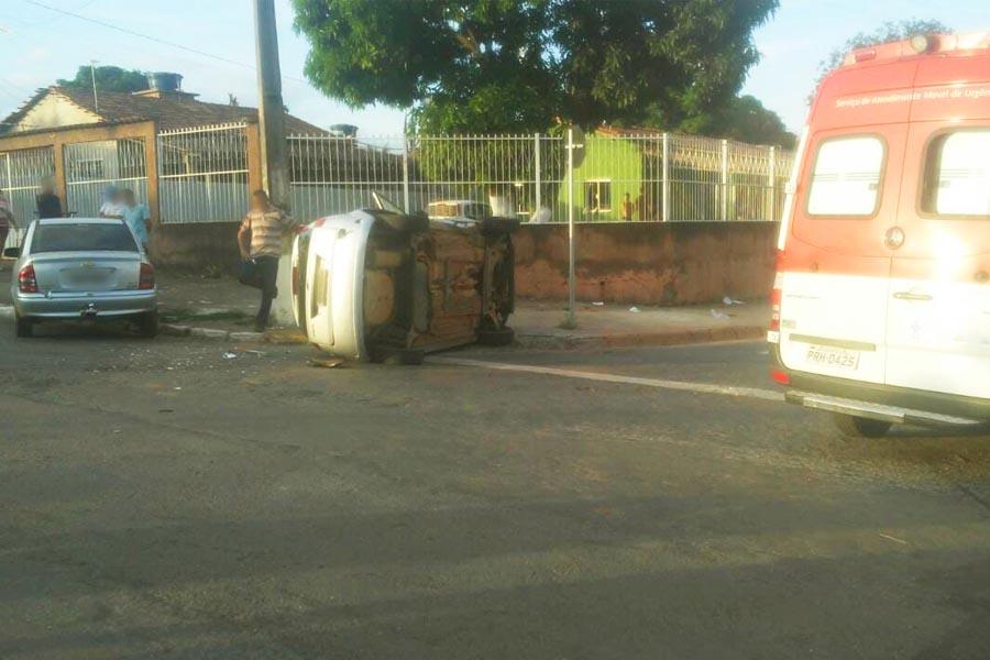 Acidente foi no cruzamento das avenidas Goiás e Contorno, no Cidade Livre | Foto: Leitor/FZ