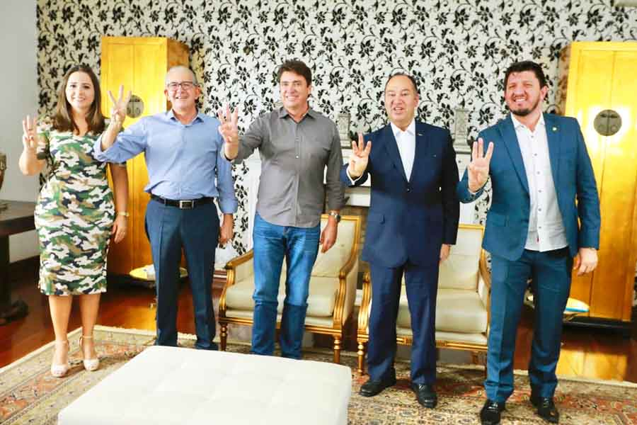 Leia Klebia, Euripedes do Carmo, Wilder Morais, Pastor Everaldo e Glaustin da Fokus em reunião do PSC em Goiânia | Foto: Divulgação