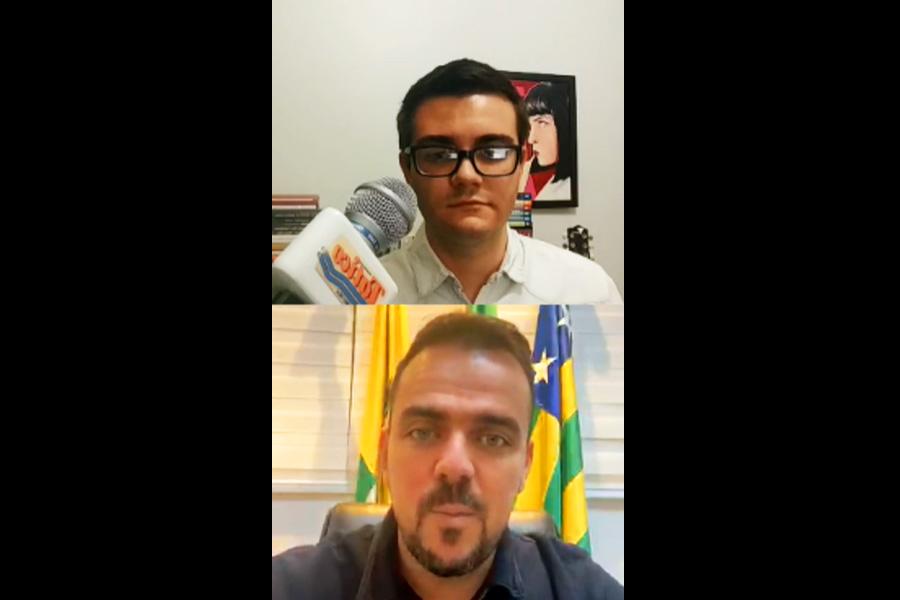 Jornalista Marco Faleiro entrevista Gustavo Mendanha | Foto: Reprodução/Instagram