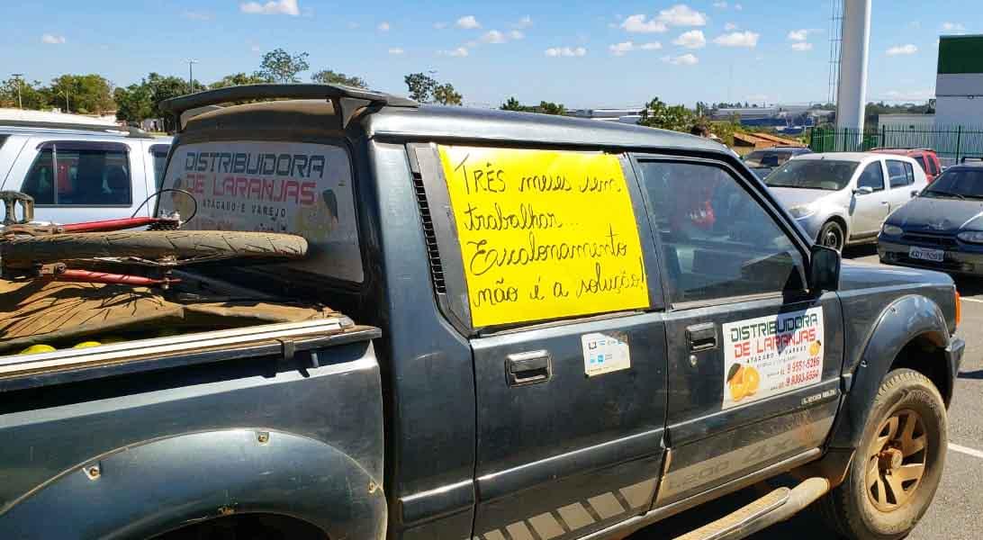 Feirantes são contrários ao rodízio estabelecido em Aparecida | Foto: Folha Z