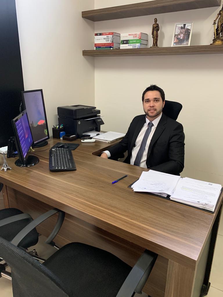 Thiago Taquary advogado