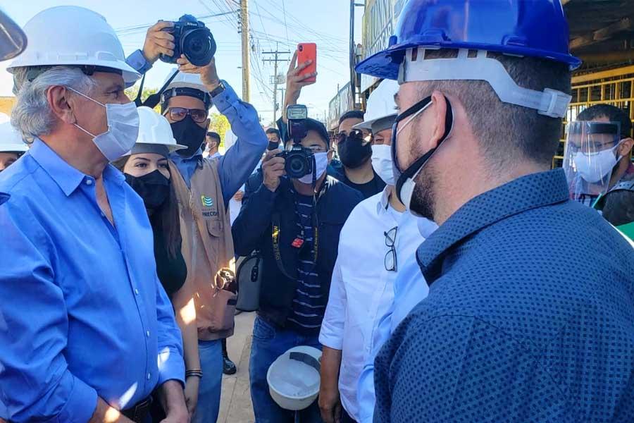 Apreensão de Gustavo Mendanha chamou a atenção durante evento com o governador Ronaldo Caiado | Foto: Folha Z