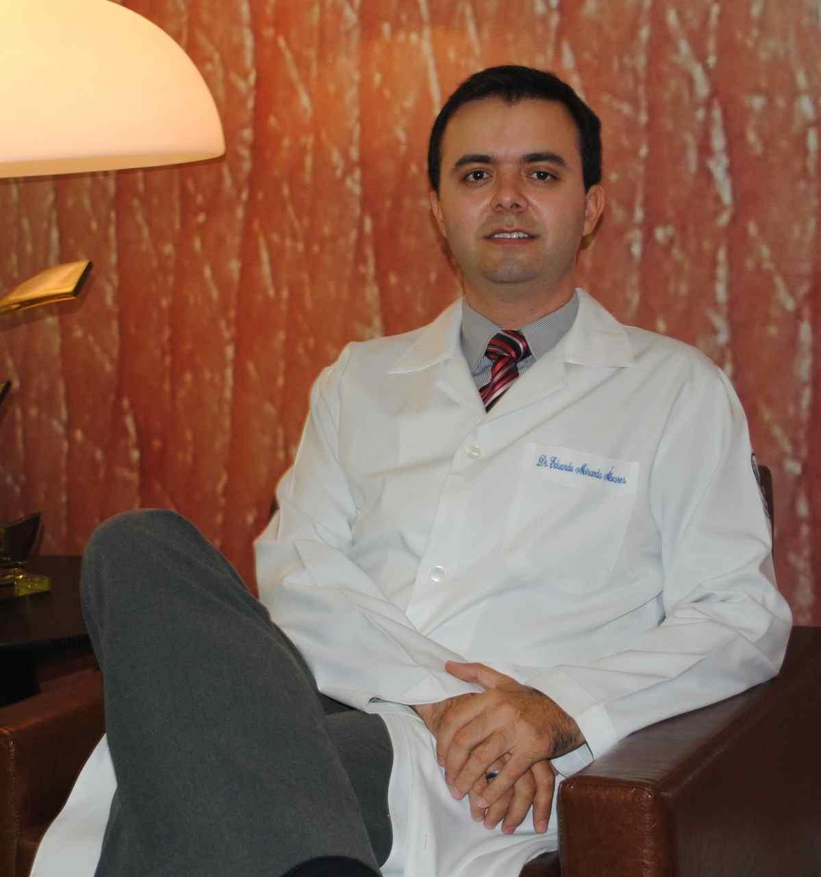 dermatologista Eduardo Alvares