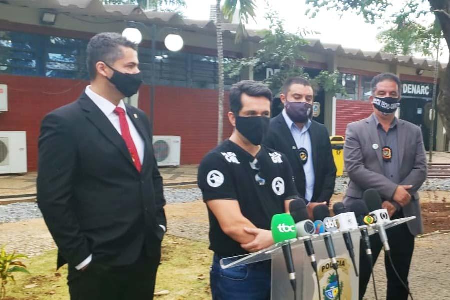 Delegados Rilmo Braga (titular) e Ernane Cázer (adjunto) da DIH apresentam conclusões da investigação sobre o homicídio de Danilo Silva, em Goiânia | Foto: Folha Z