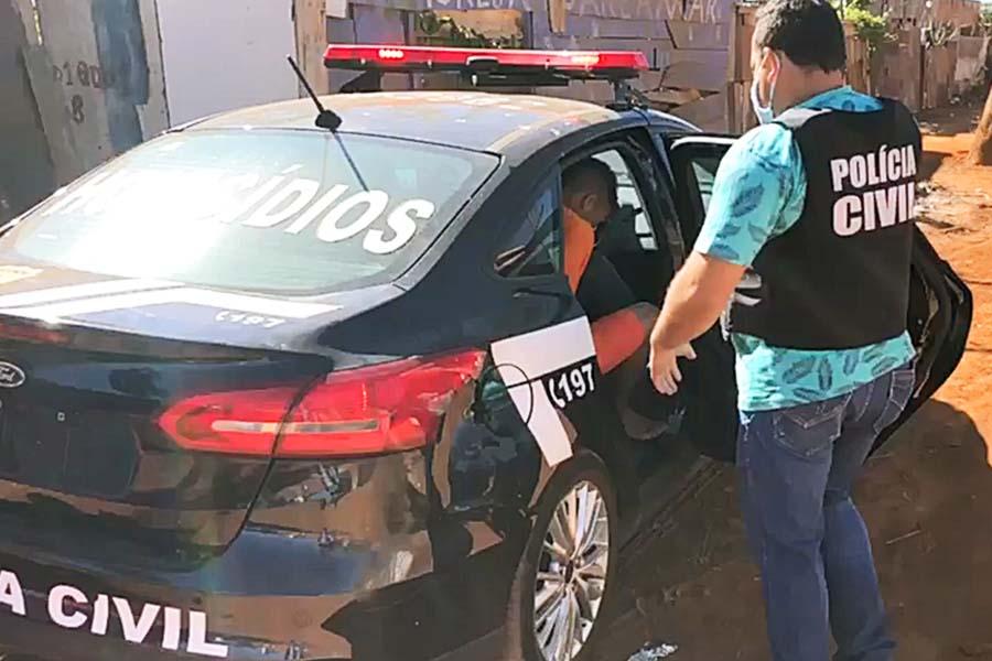 Polícia Civil levou investigado até local do crime para coletar objetos ligados ao homicídio de Danilo Silva   Foto: Divulgação/PC-GO
