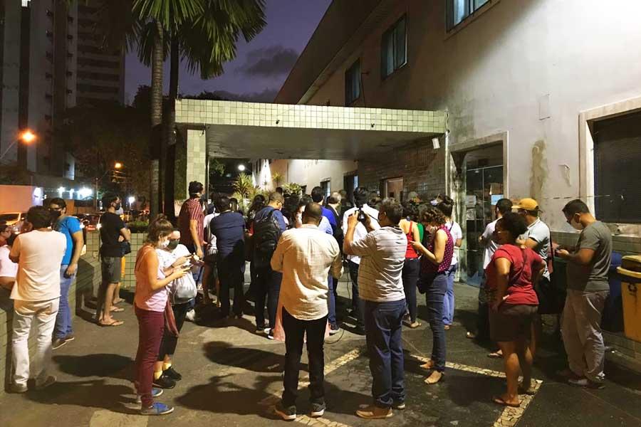 Grupos antiaborto convocaram protestos para impedir que a criança fosse atendida em hospital do Recife | Foto: Reprodução
