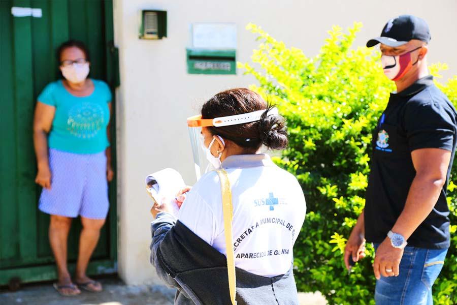 Busca ativa por pessoas com covid-19 em Aparecida no Cidade Vera Cruz | Foto: Enio Medeiros
