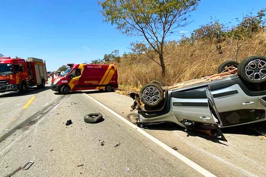 Colisão foi na altura do KM-45 da rodovia, próximo à cidade deÁguas Lindas de Goiás   Foto: Divulgação/CBM-GO