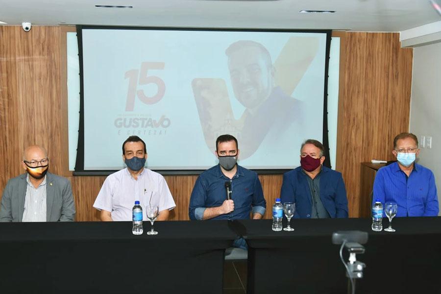 Professor Alcides, Pastor Romeu, Gustavo Mendanha, Vilmar Mariano, João Campos | Foto: Divulgação