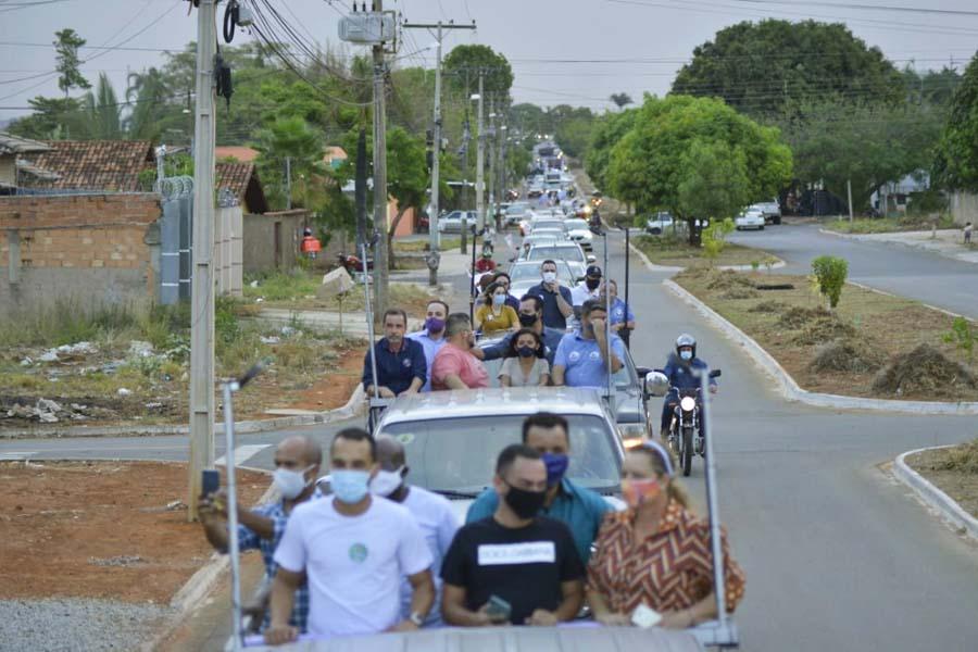 Participantes de carreatas devem ficar dentro dos veículos o tempo todo em Aparecida | Foto: Reprodução/Assessoria Gustavo Mendanha